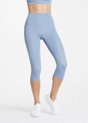 High Rise 3/4 Legging