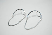 Load image into Gallery viewer, Half Chain Oval Large Earrings, Silver