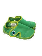 Load image into Gallery viewer, Decathlon Beach Aqua Shoes 2-3Y