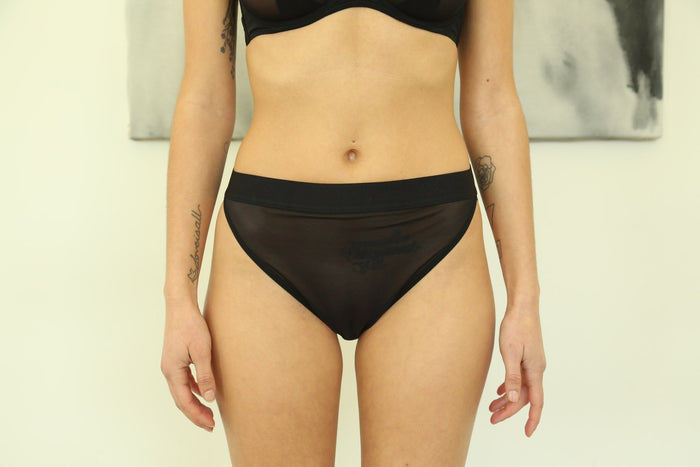 La Fille d'O Way I Walk High Rise Brief, Noir Underpinnings