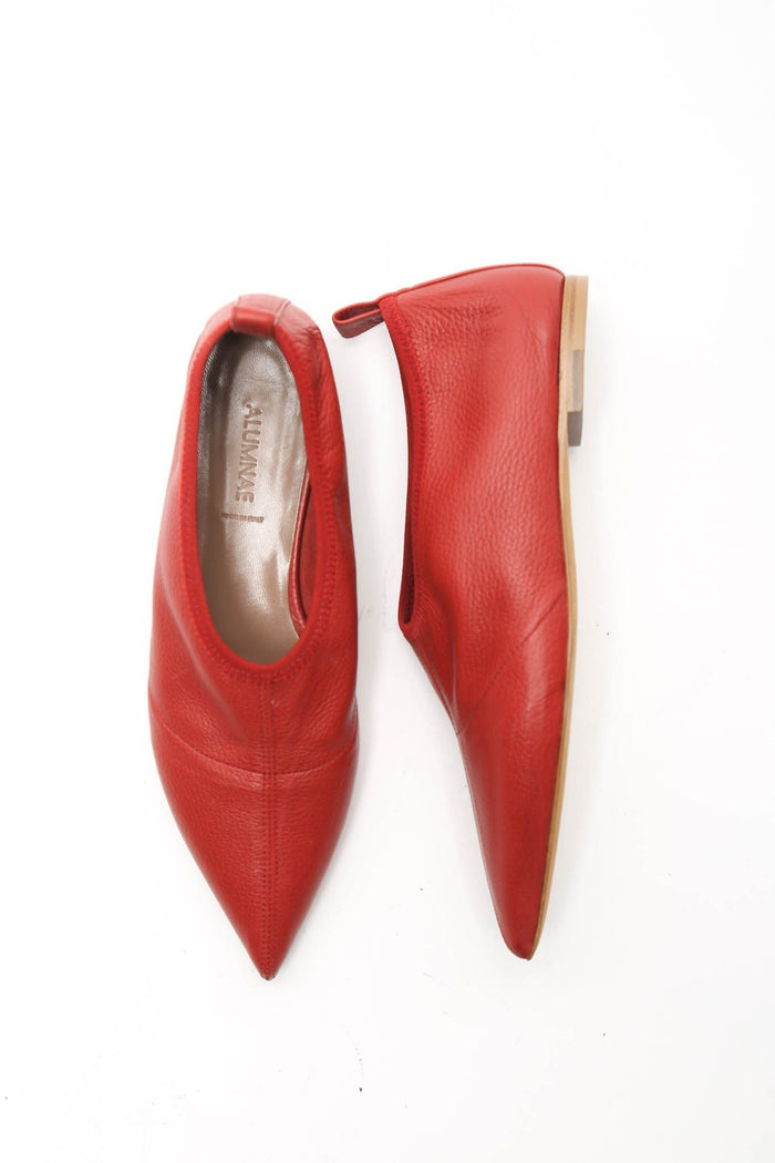 Alumnae Alumnae Stretch Pointy Flat Grainy Calf, Sienna Red Shoes