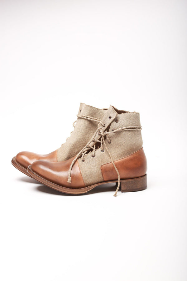 Cherevichkiotvichki Asymmetric Factory Boot Blake Rapid, Natural Boots