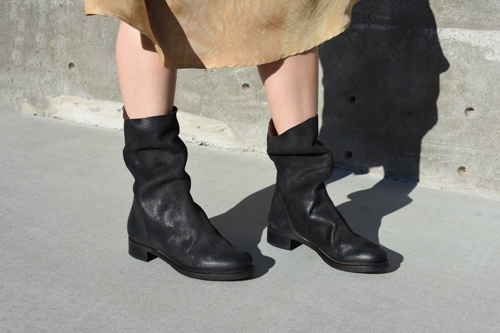 Size 39 Unlined Country Boot, Black After