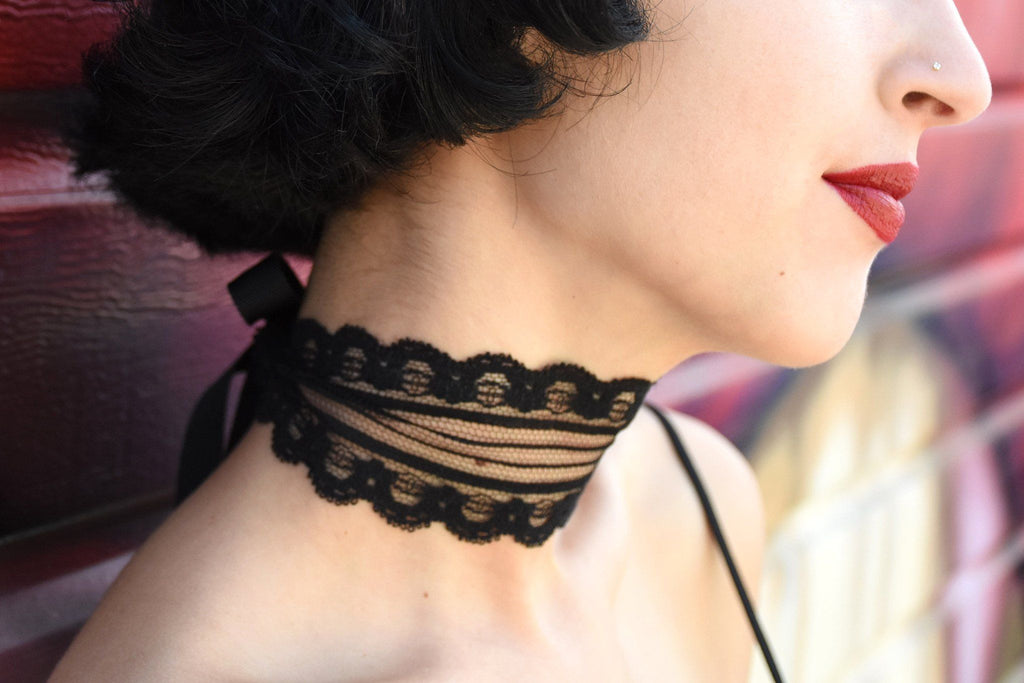 Screw U! Lace Choker, Black