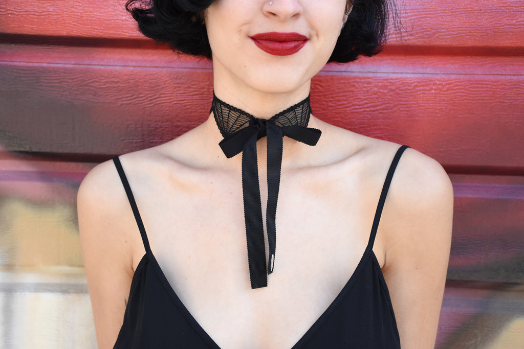 Patterned Lace Choker, Black