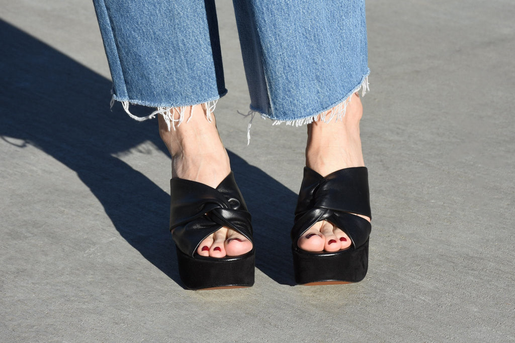 Esther Sandal, Black