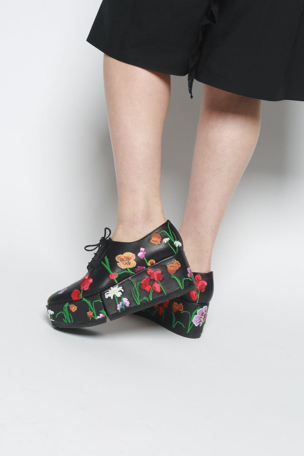 Robert Clergerie Anyang Floral Embroidered Leather Oxfords, Black Shoes