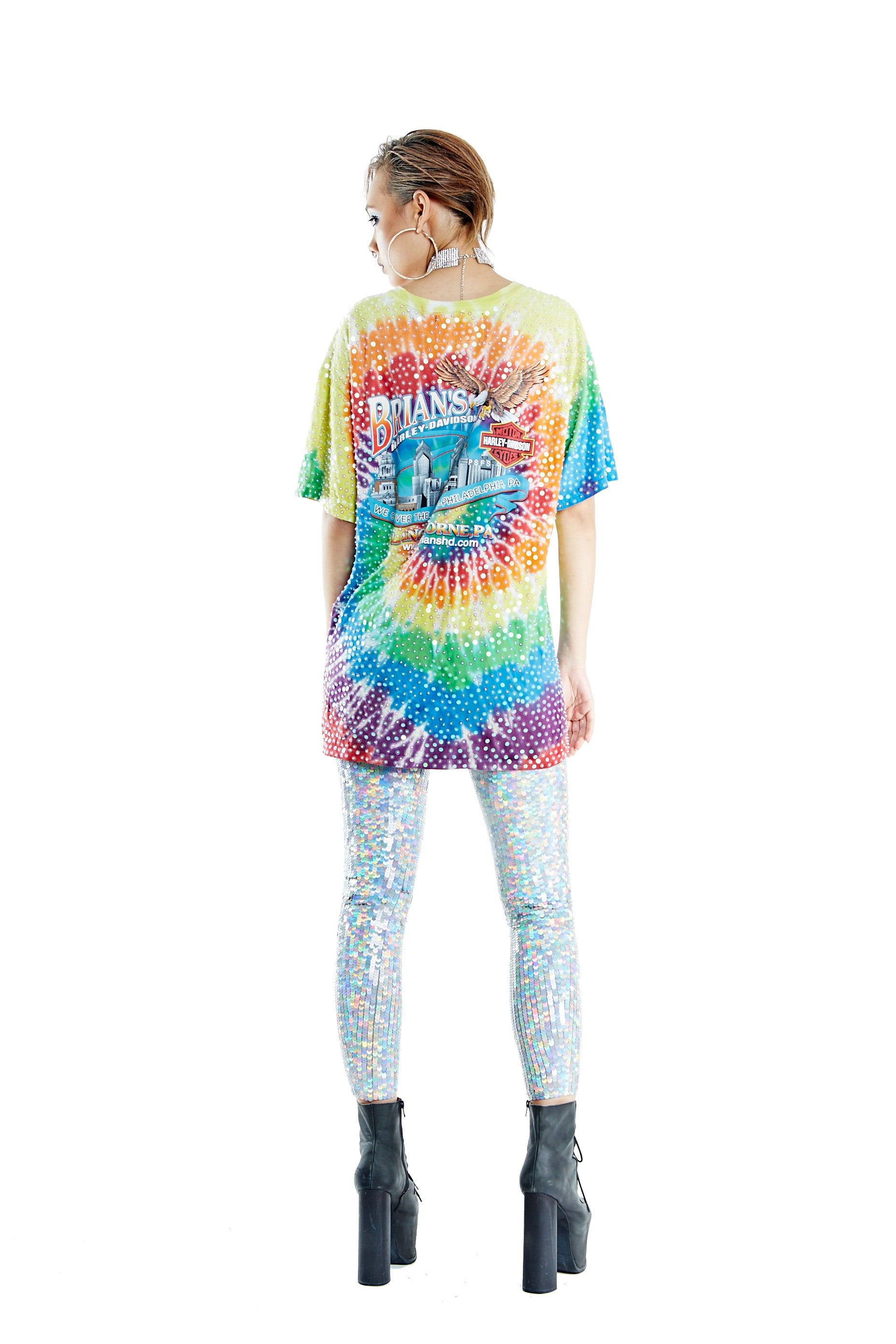 """Symbol of Freedom"" Tie-dye Thorn Tee - Rainbow"
