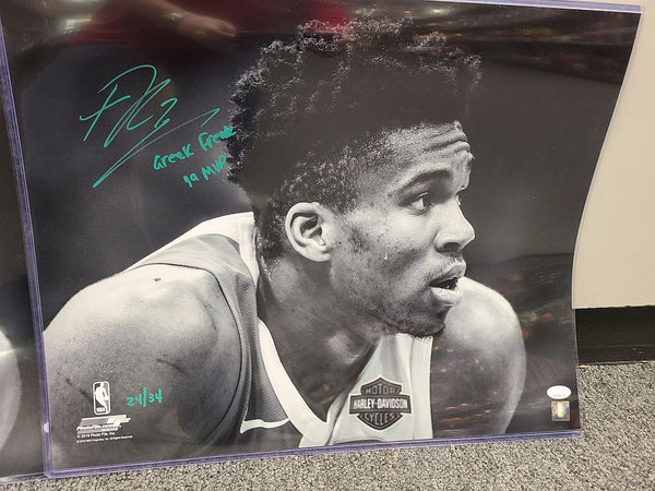 Giannis Antetokounmpo Milwaukee Bucks Signed Autographed 16X20 Photo 24/34