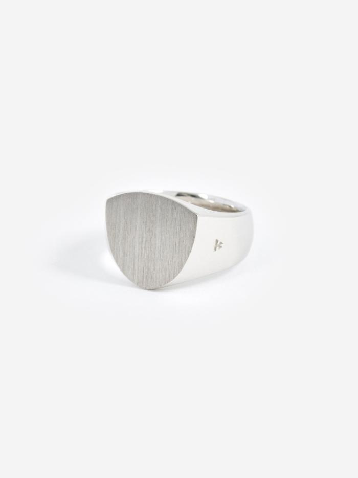 Tom Wood Tom Wood Shield Satin Ring - Silver - Silver
