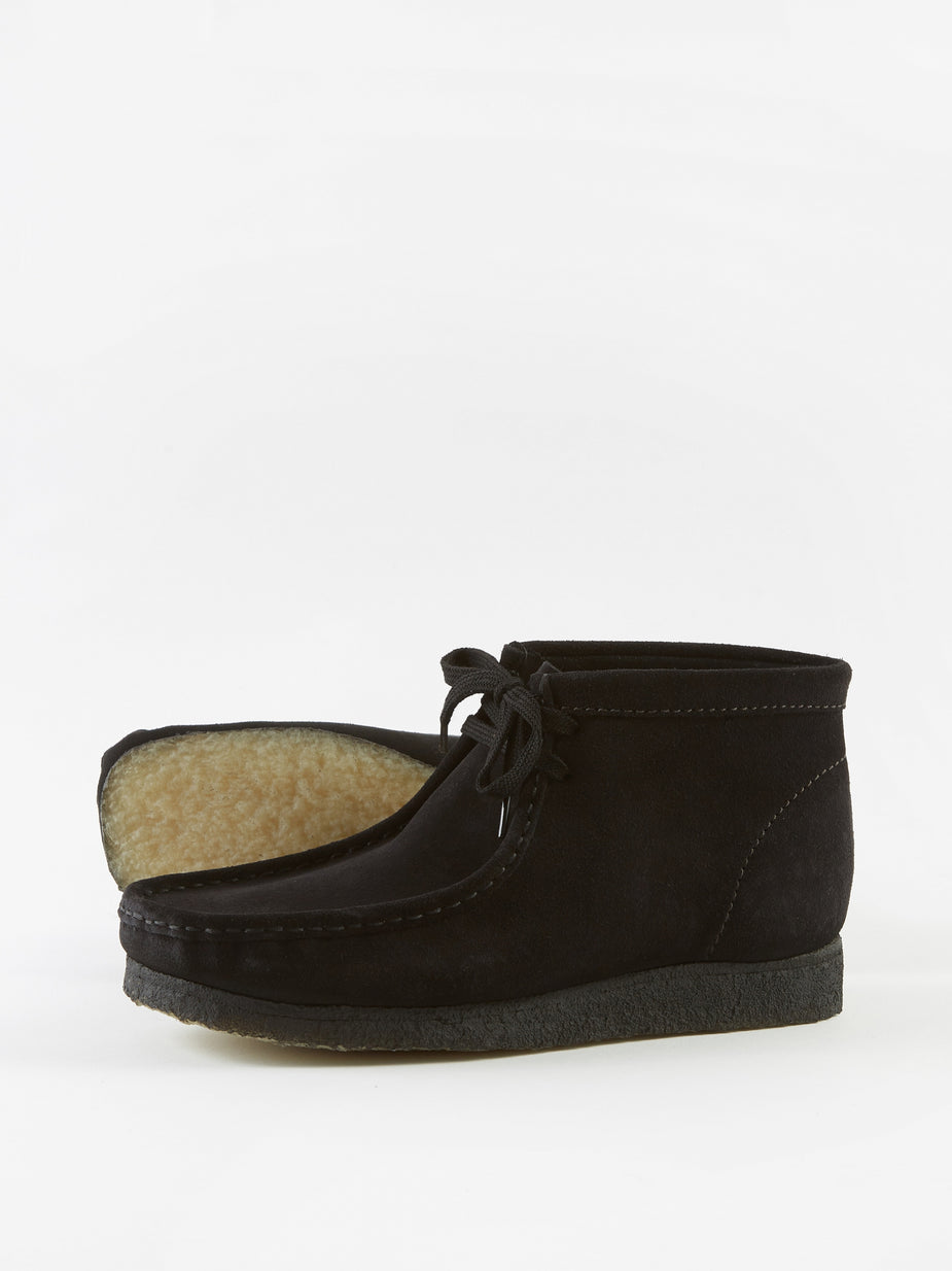 Clarks Originals Clarks Wallabee Boot - Black/Black Suede - Black