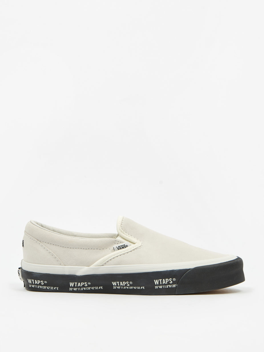 Vans Vans Vault x WTAPS UA OG Classic Slip On LX - Black/Orange - White/Black - White