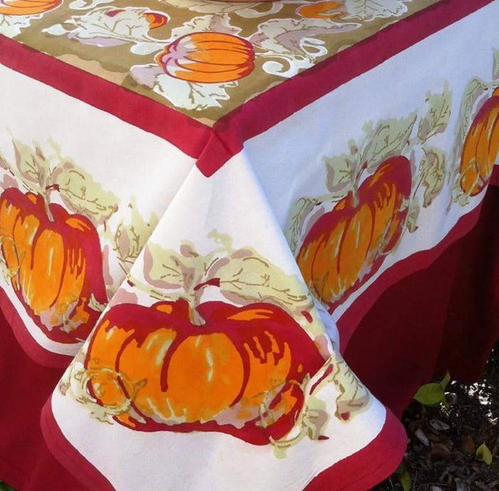 French Tablecloth Pumpkin Red & Green