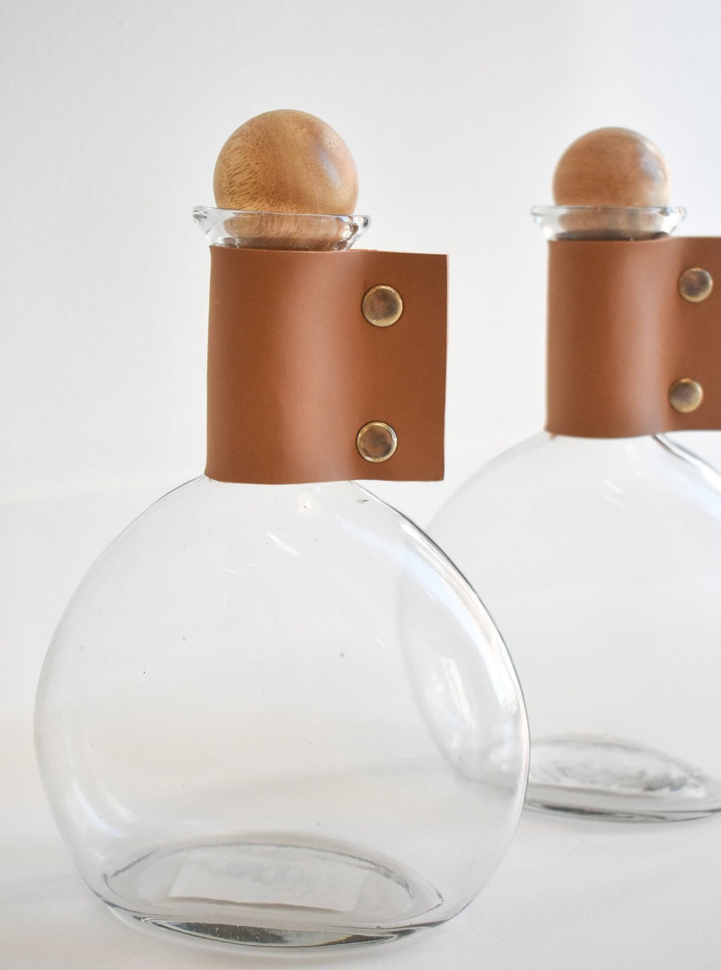 Wine Carafe with Natural Cuff