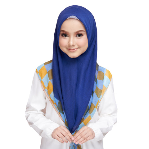 Image of Diva Scarf - Blueberry Chess