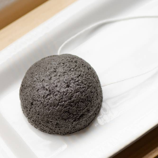 Charcoal Facial Sponge - No Tox Life -Freehand Market