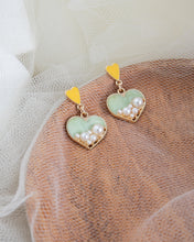 Load image into Gallery viewer, LUXE ACCESSORIES | PEARL HEART EARRINGS