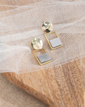 Load image into Gallery viewer, LUXE ACCESSORIES | RECTANGULAR CAPIZ EARRINGS