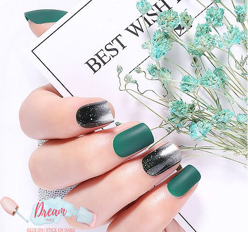 DREAM NAILS | AURORA PRESS-ON NAILS