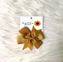 Load image into Gallery viewer, BELLO ACCESSORIES | RIBBON BOW 9CM
