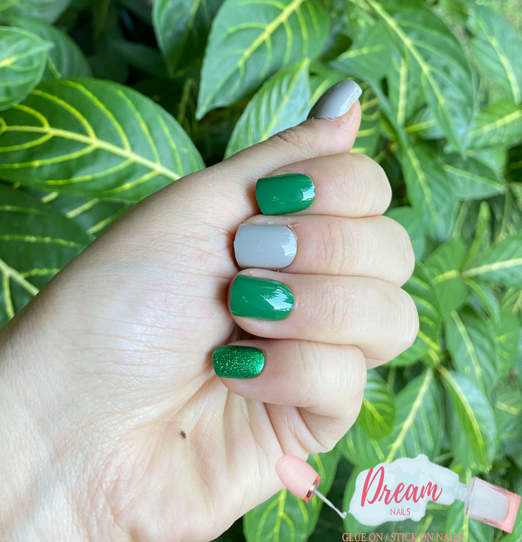 DREAM NAILS | GREEN PRESS-ON NAILS