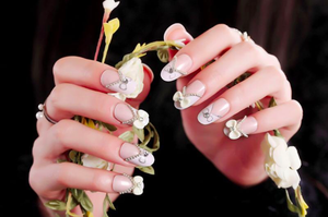 DREAM NAILS | NUDE FLOWERS PRESS-ON NAILS