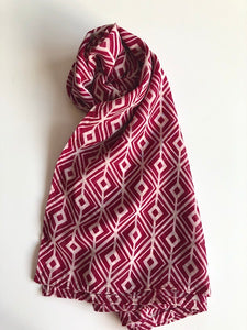 Pink And White Diamond Print Hijab