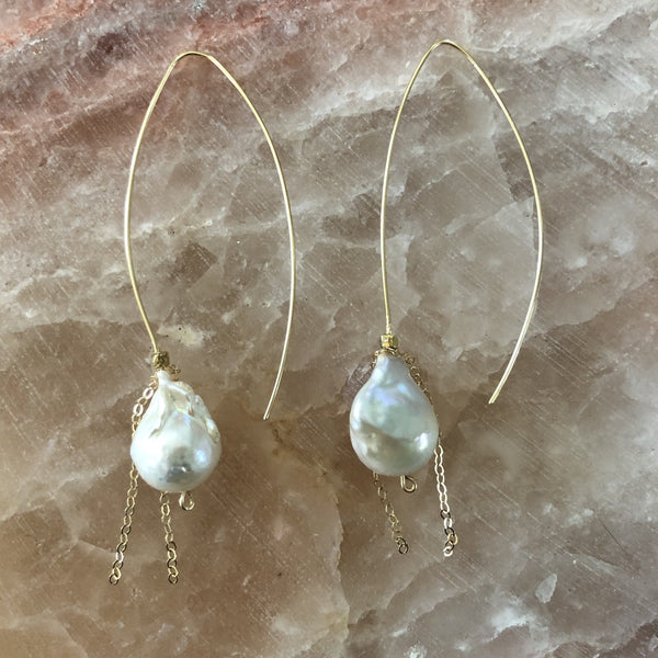 Earrings | Pearl on a Wire 2