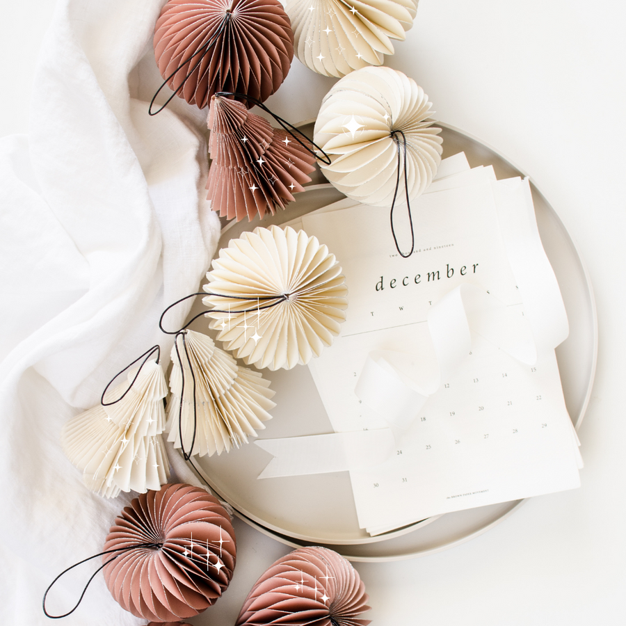 Nordic Rooms | Rose Paper Onion Ornament with Silver Glitter Edge