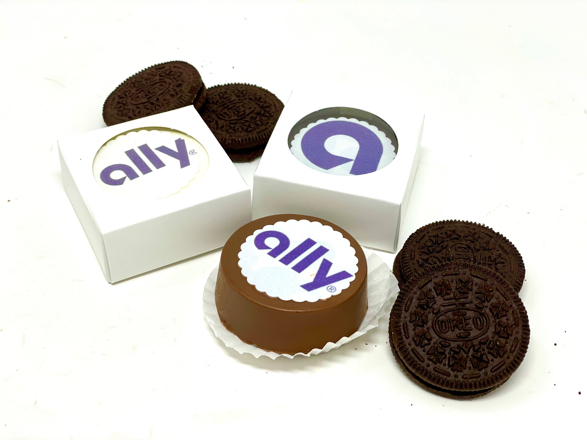 Custom Oreo Favor Box - The Dessert Ladies