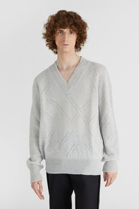 White v-neck wool jumper