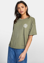 Load image into Gallery viewer, Bartling BF Tee - Fern Green