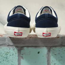 Load image into Gallery viewer, Old Skool Pro- (Wrapped) Navy/Marshmellow