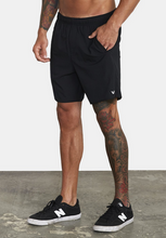 "Load image into Gallery viewer, Yogger IV Recycled 17"" Workout Short - Black"