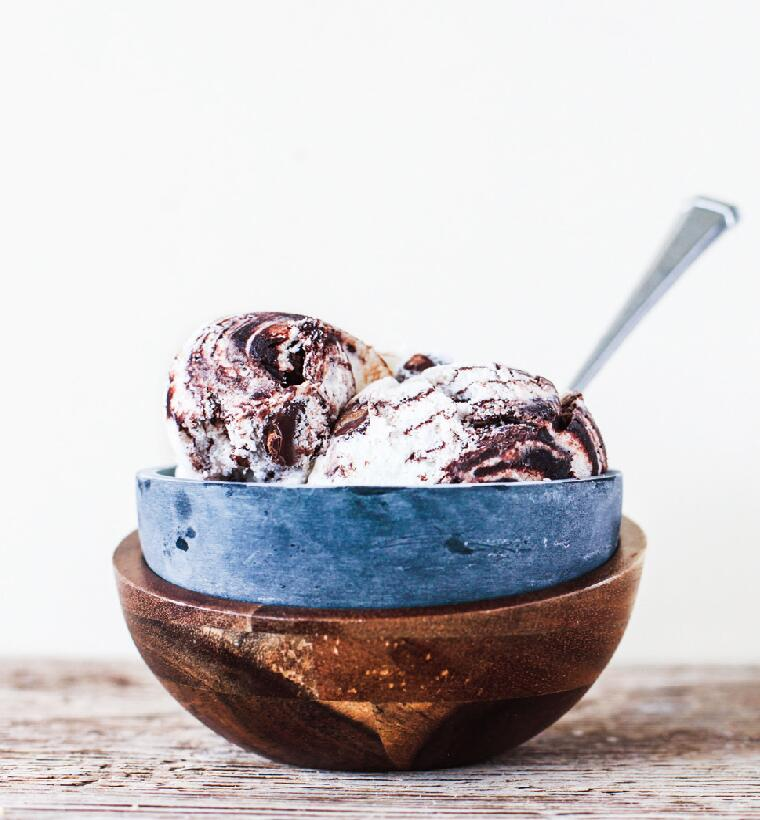 Soapstone & Wood Ice Cream Bowl #STK117 / #BWB117