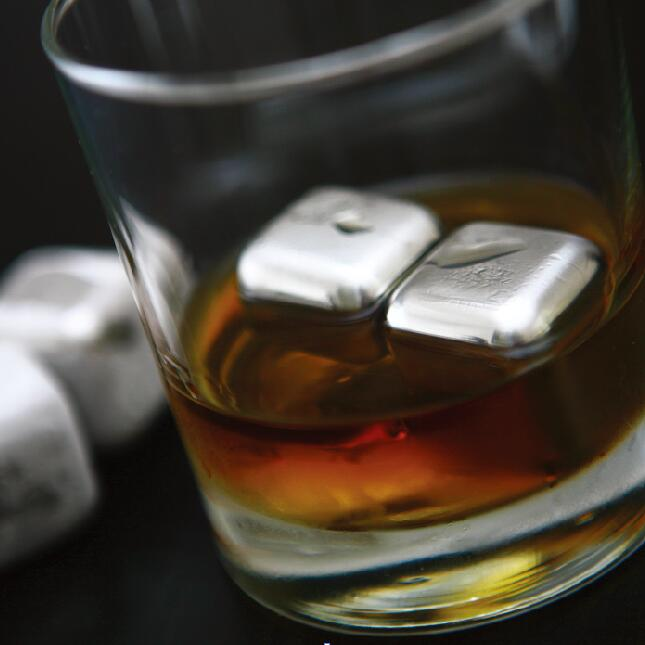 Whiskey Cubes 30mm, Set of 4 #SHR009 / #BAR009 *SPECIAL OFFER - BUY 1 GET 1 FREE