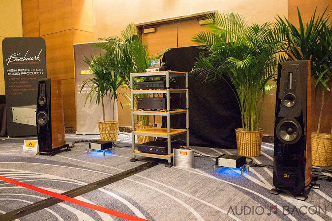 DAC3 & AHB2 driving Cantus V80F, Axpona 2108, AudioBacon.net