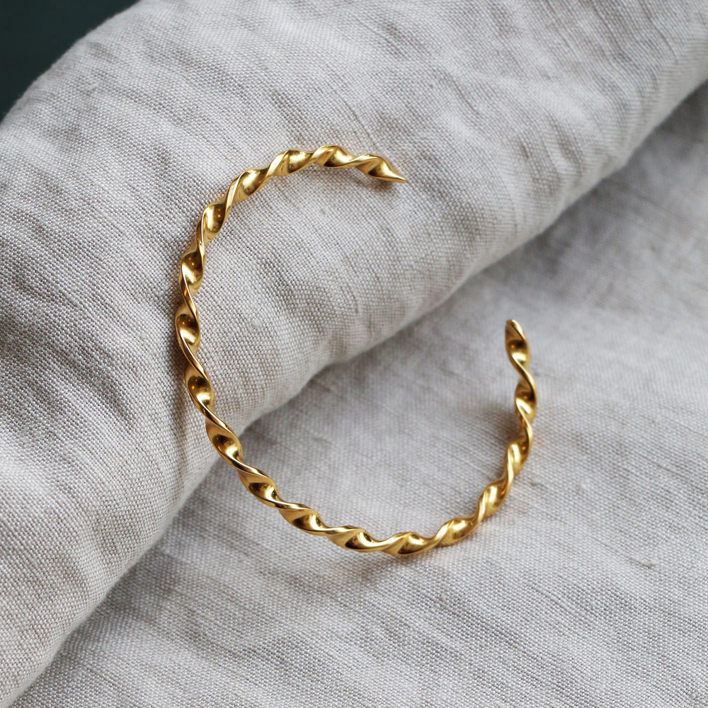 Twirly Bangle