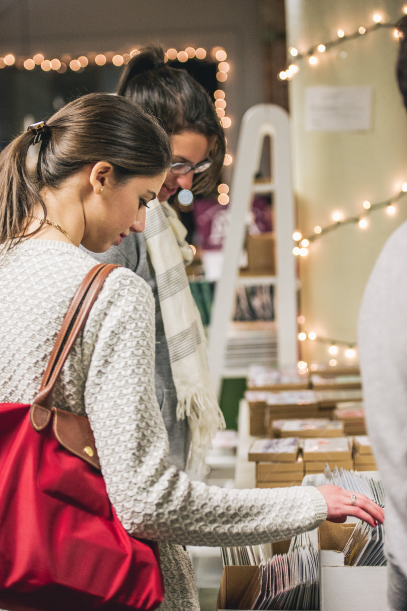 Shoppers | Holiday Sip & Shop | photo by Jessica Rich Photography