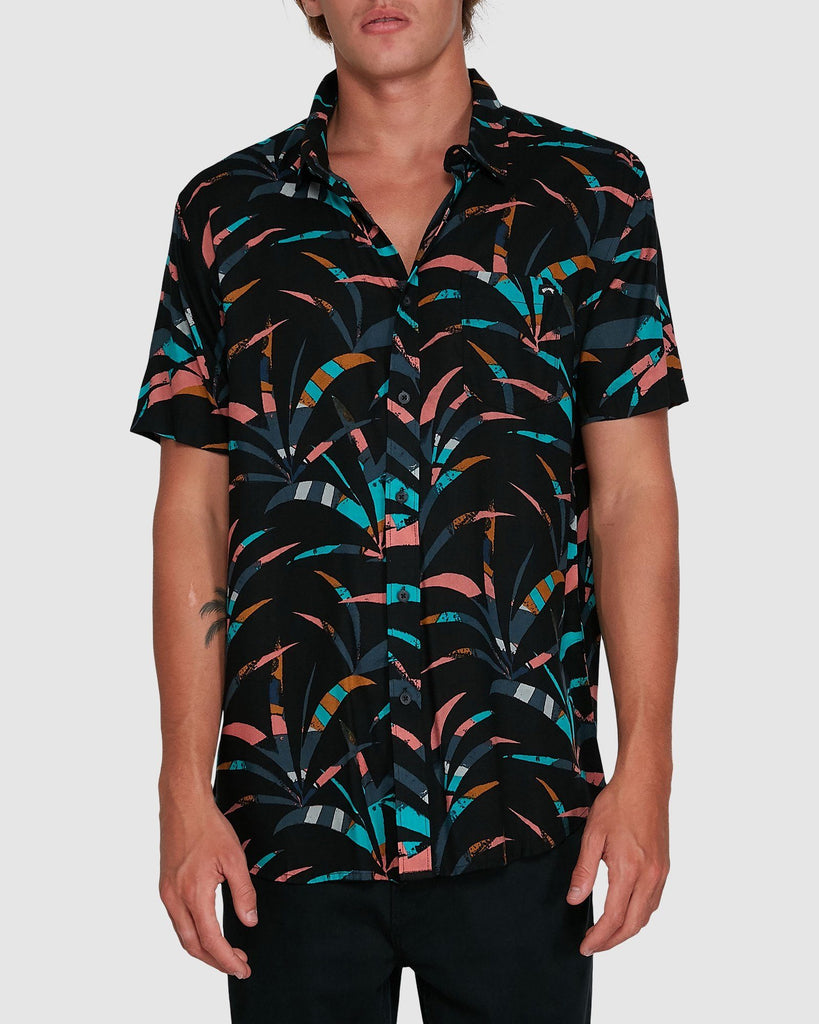 BILLABONG SUNDAYS FLORAL SHORT SLEEVE SHIRT black coral S