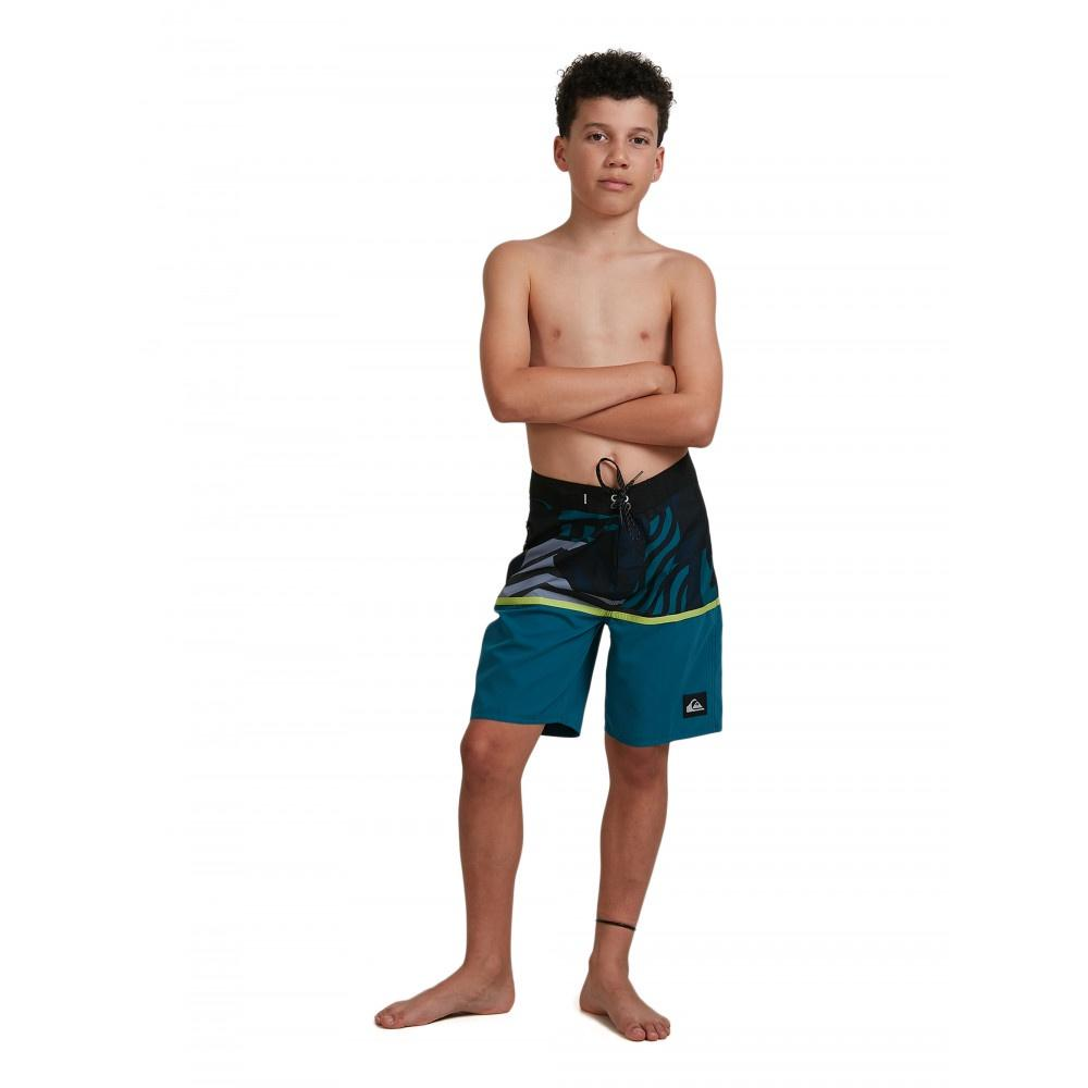 "QUIKSILVER YOUTH EVERYDAY DIVISION 17"" BOARDSHORTS"