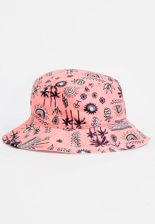Rip Curl Girls Mini Anak Bucket Hat is a reversible hat with a tropical print on bright coral.