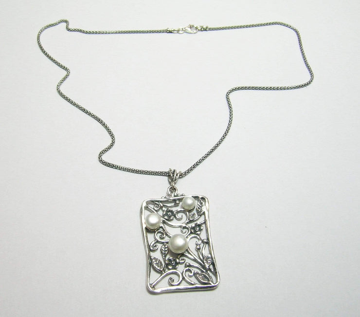 Silver Necklace with Freshwater Pearls Pendant N9828 - Dandelion Jewellery