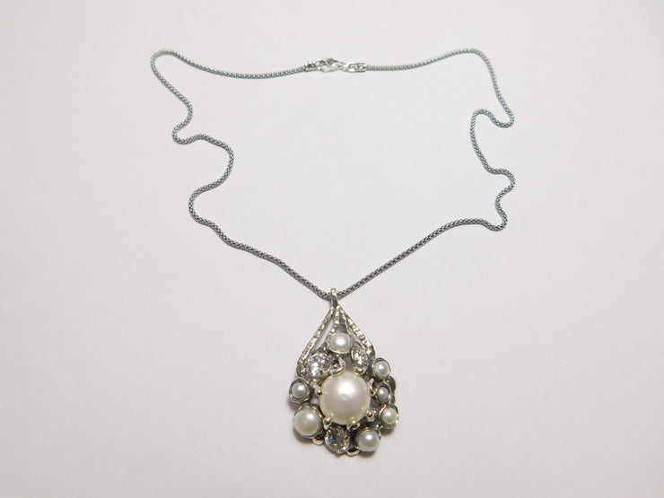 Zuman Silver Necklace  with Pearls and Zirconium - Dandelion Jewellery