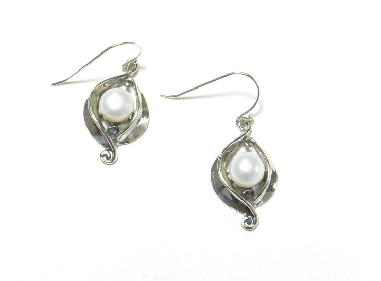 Zuman Silver Earrings with Pearl E11016 - Dandelion Jewellery