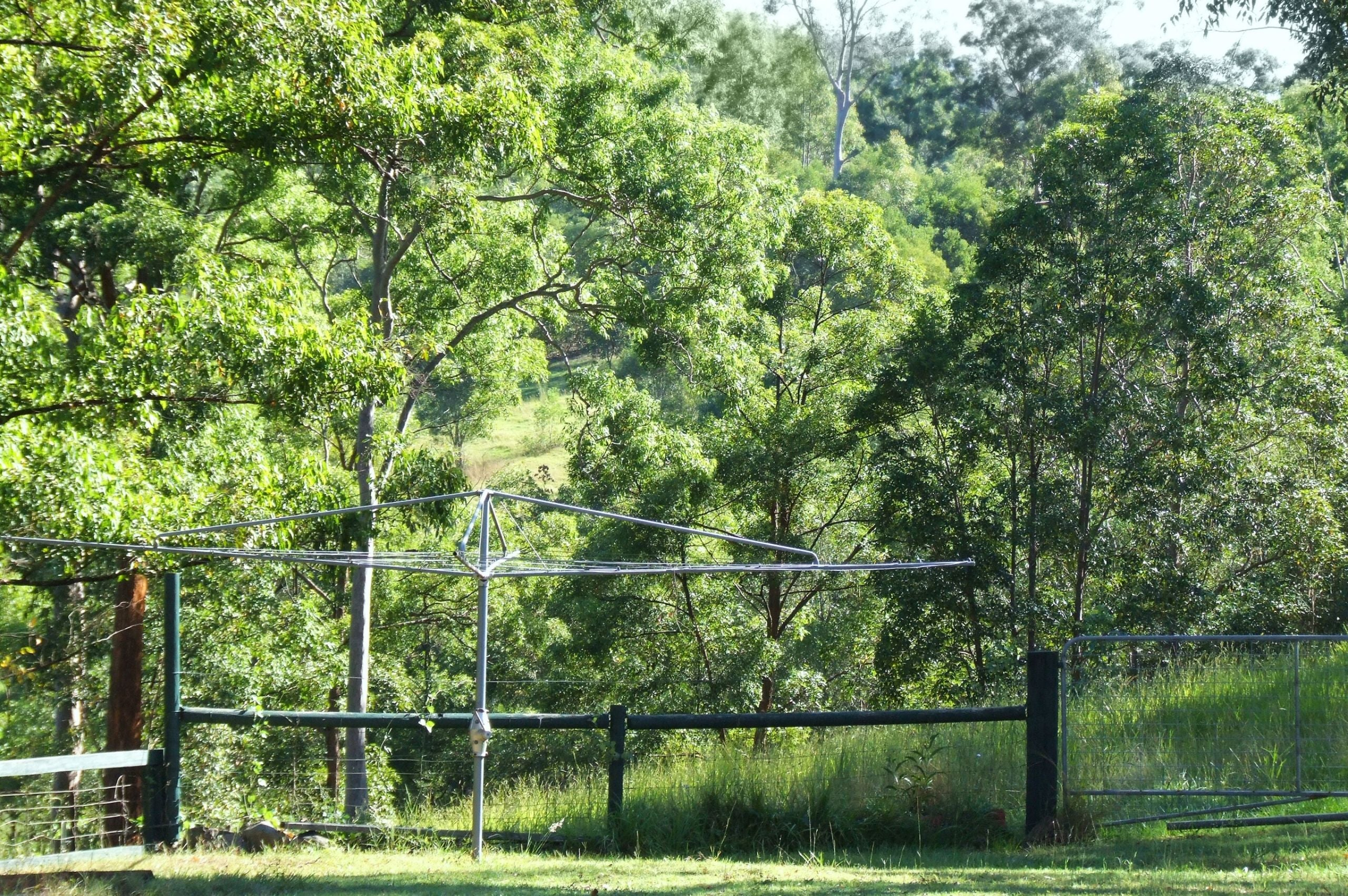 Rotary Clothes Lines - How To Choose The Right Clothesline? by Topline Clotheslines