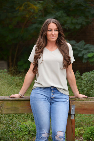 Dobby Top light sage tee, Bijoux Vibes boutique Elizabeth City