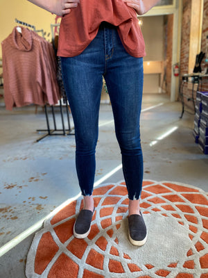 High Rise Distressed Hem denim, Bijoux Vibes boutique Elizabeth City
