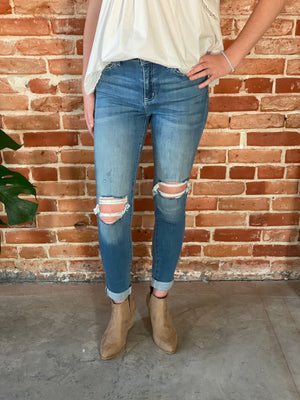 Kan Can Jean distressed, Bijoux Vibes boutique Elizabeth City