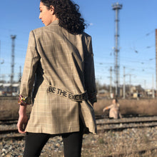 "Charger l'image dans la galerie, Blazer oversize ""BE THE EXCEPTION"""
